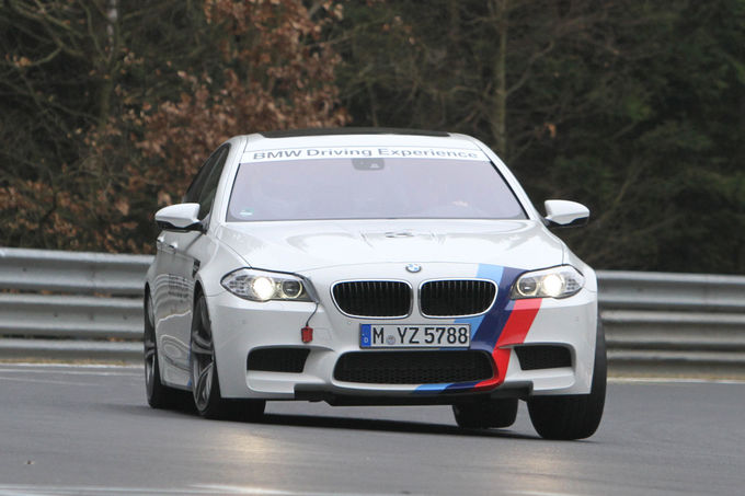 BMW-M5-Ring-Taxi-2012-13-fotoshowImage-c433d2b-580545