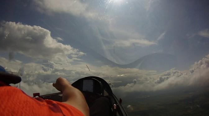 グライダー曲技飛行世界選手権  公式練習 1日目