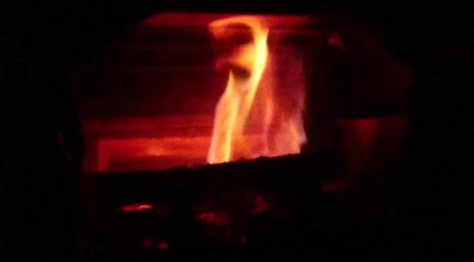 薪ストーブ 焚き付けの方法変えました